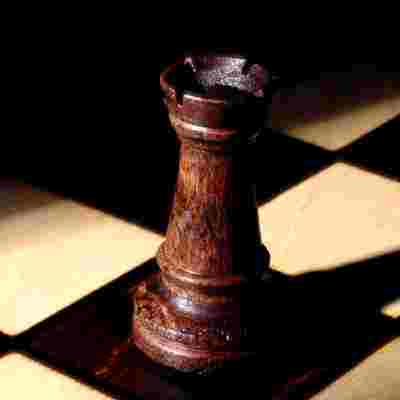 chess-rook-wood-risk.jpg